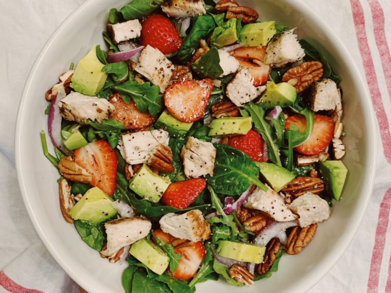Spinach & Arugula Salad w/Strawberries, Avocado and Grilled Chicken
