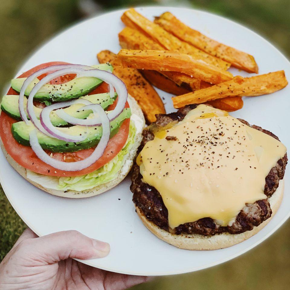 Cheeseburger w/Sweet Potato Fries