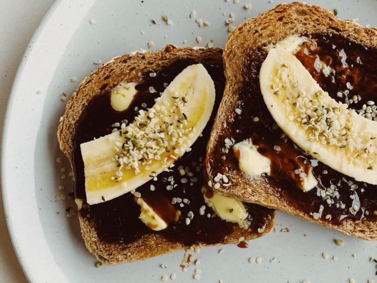 Nine Grain Toast w/German Sugar Beet Syrup, Bananas & Hemp Seeds