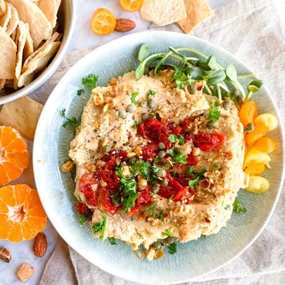 Hummus w/Sundried Tomatoes & Capers