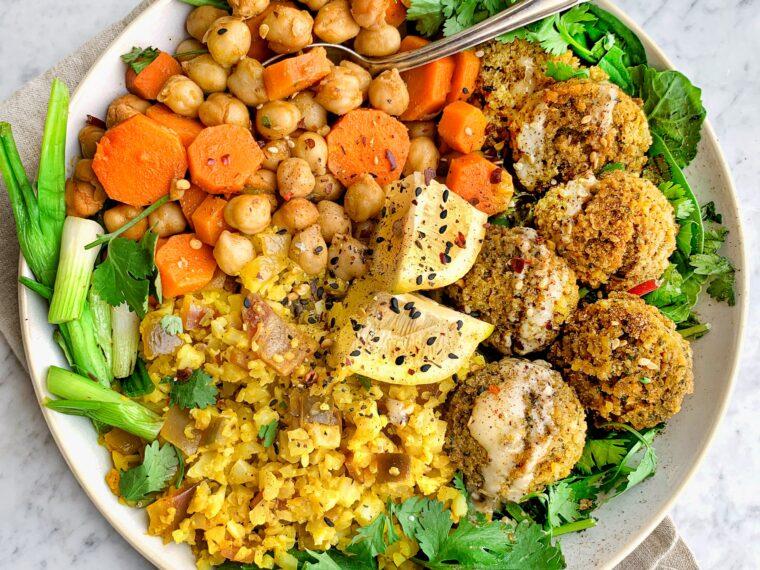 Falafel Bowl w/Chickpeas, Carrots & Turmeric Cauliflower Rice