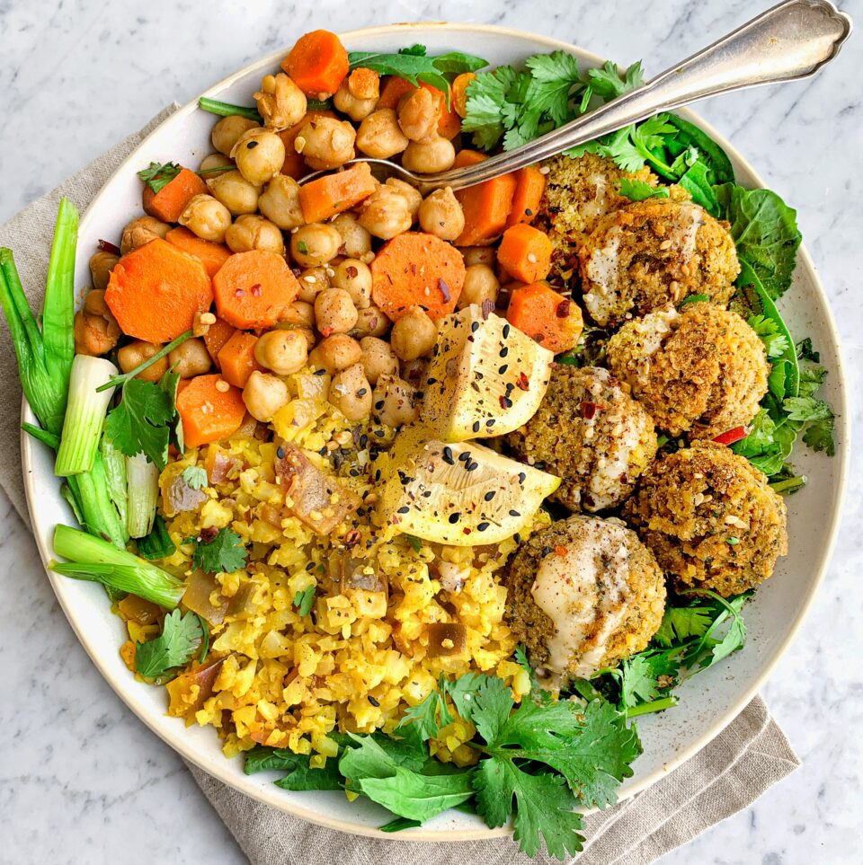 Falafel Bowl w/Chickpeas, Carrots & Turmeric Cauliflower Rice